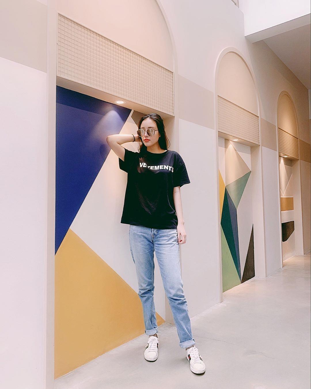 Em gái Mai Phương Thúy cao 1,78 m, xinh đẹp và mặc sành điệu Ảnh 10