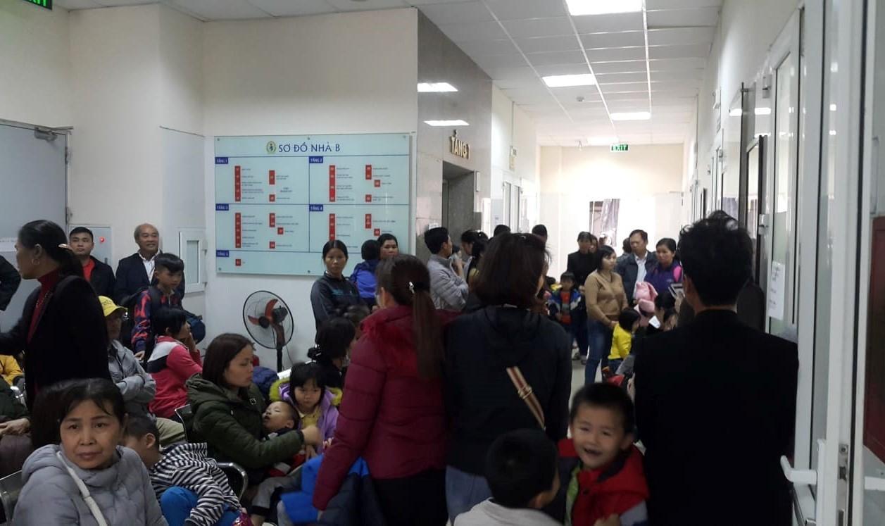 Ăn thịt lợn 'bẩn', gần 400 trẻ Bắc Ninh ồ ạt xuống Hà Nội xét nghiệm, nhiều trẻ dương tính Ảnh 2