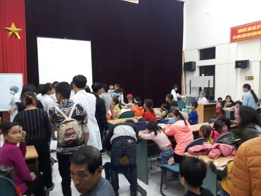 Ăn thịt lợn 'bẩn', gần 400 trẻ Bắc Ninh ồ ạt xuống Hà Nội xét nghiệm, nhiều trẻ dương tính Ảnh 1