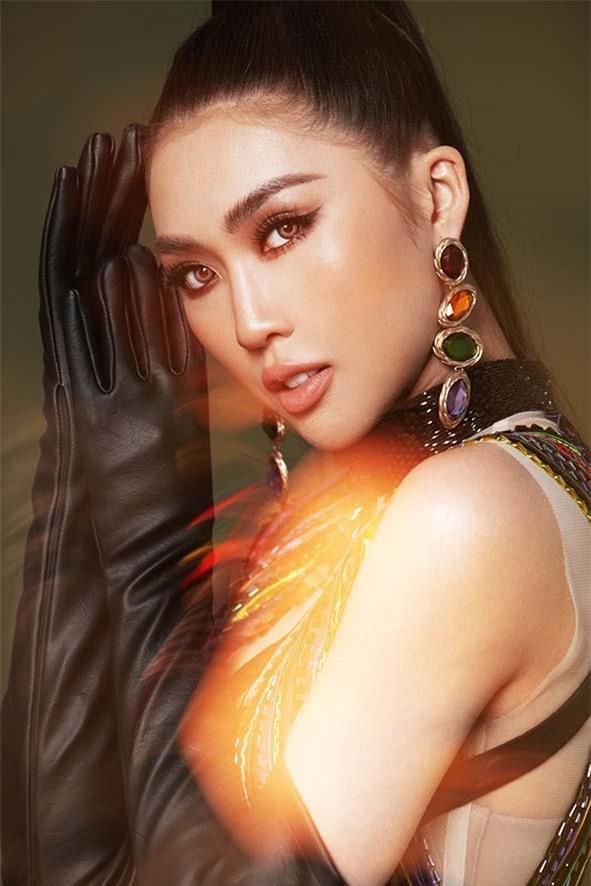 Hoa hậu Tường Linh tung bộ hình khác lạ, quyến rũ và sexy Ảnh 1