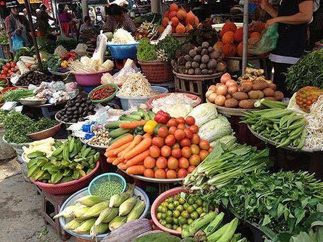 Giá rau, cá, đậu phụ tăng vọt trước dịch tả thịt lợn châu Phi Ảnh 1