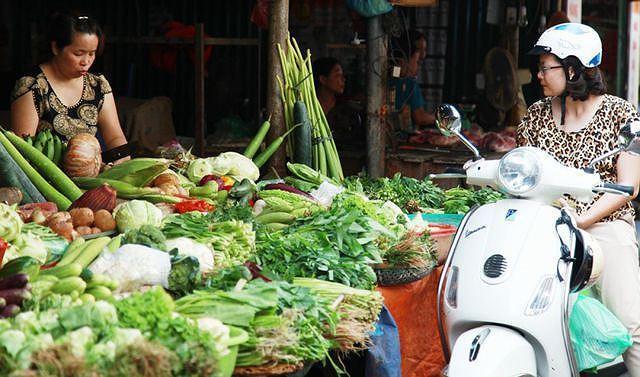 Giá rau, cá, đậu phụ tăng vọt trước dịch tả thịt lợn châu Phi Ảnh 2