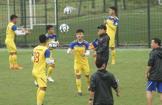 Quang Hải trở lại, ông Park chia tay 5 cầu thủ Ảnh 1