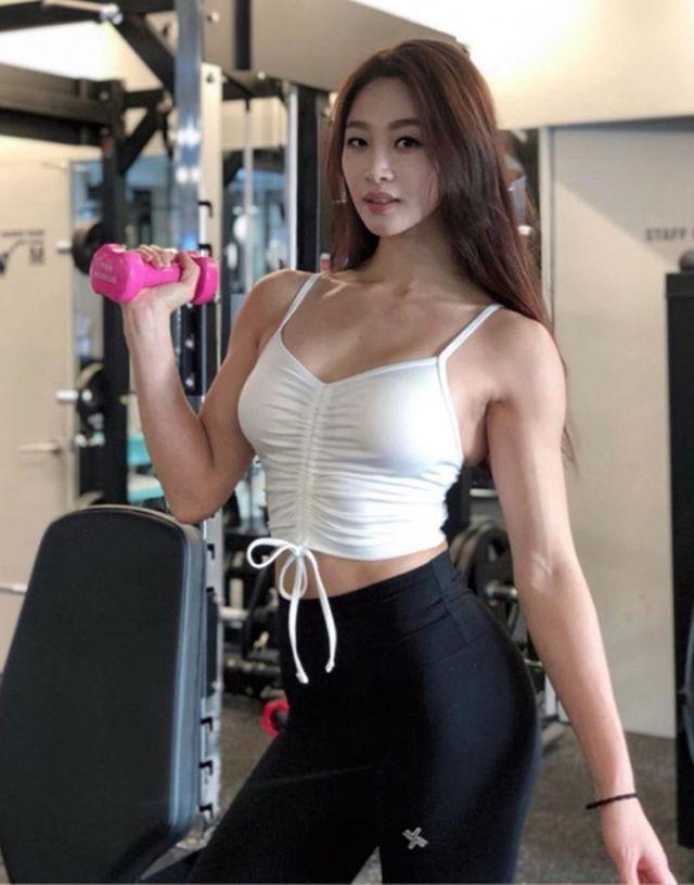 Vẻ đẹp khỏe khoắn nhờ tập luyện của 3 gymer Hàn Ảnh 7