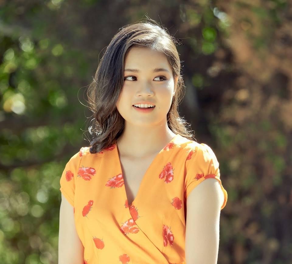 Vẻ đẹp rạng ngời của cựu nữ sinh Đại học sư phạm TP.HCM Ảnh 2