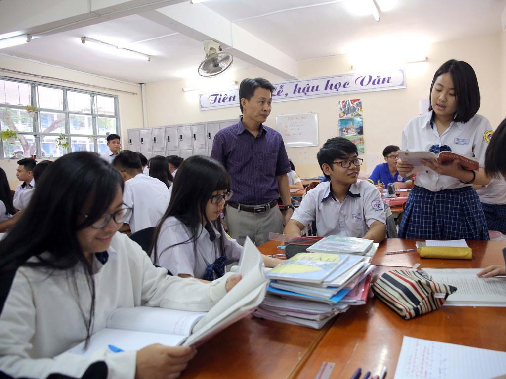 Mời giáo viên giỏi trực tiếp đứng lớp phổ thông viết SGK Ảnh 2