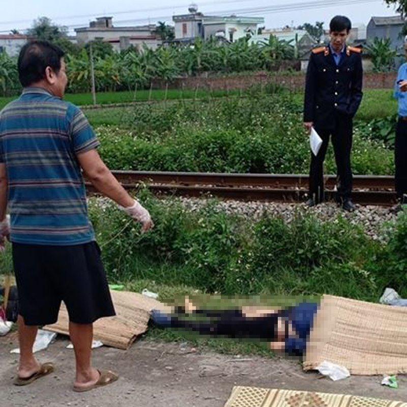 Băng qua đường sắt, 2 người đi xe máy bị tàu hỏa đâm tử vong tại chỗ Ảnh 2