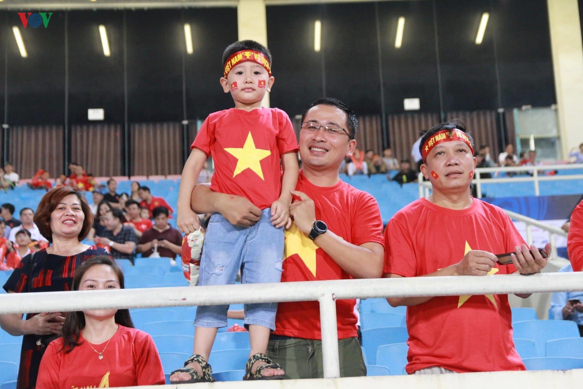 Khoảng lặng trên sân Mỹ Đình trước trận đấu U23 Việt Nam vs U23 Brunei Ảnh 8