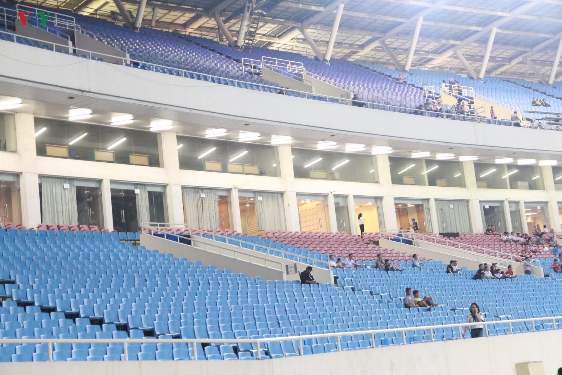Khoảng lặng trên sân Mỹ Đình trước trận đấu U23 Việt Nam vs U23 Brunei Ảnh 5