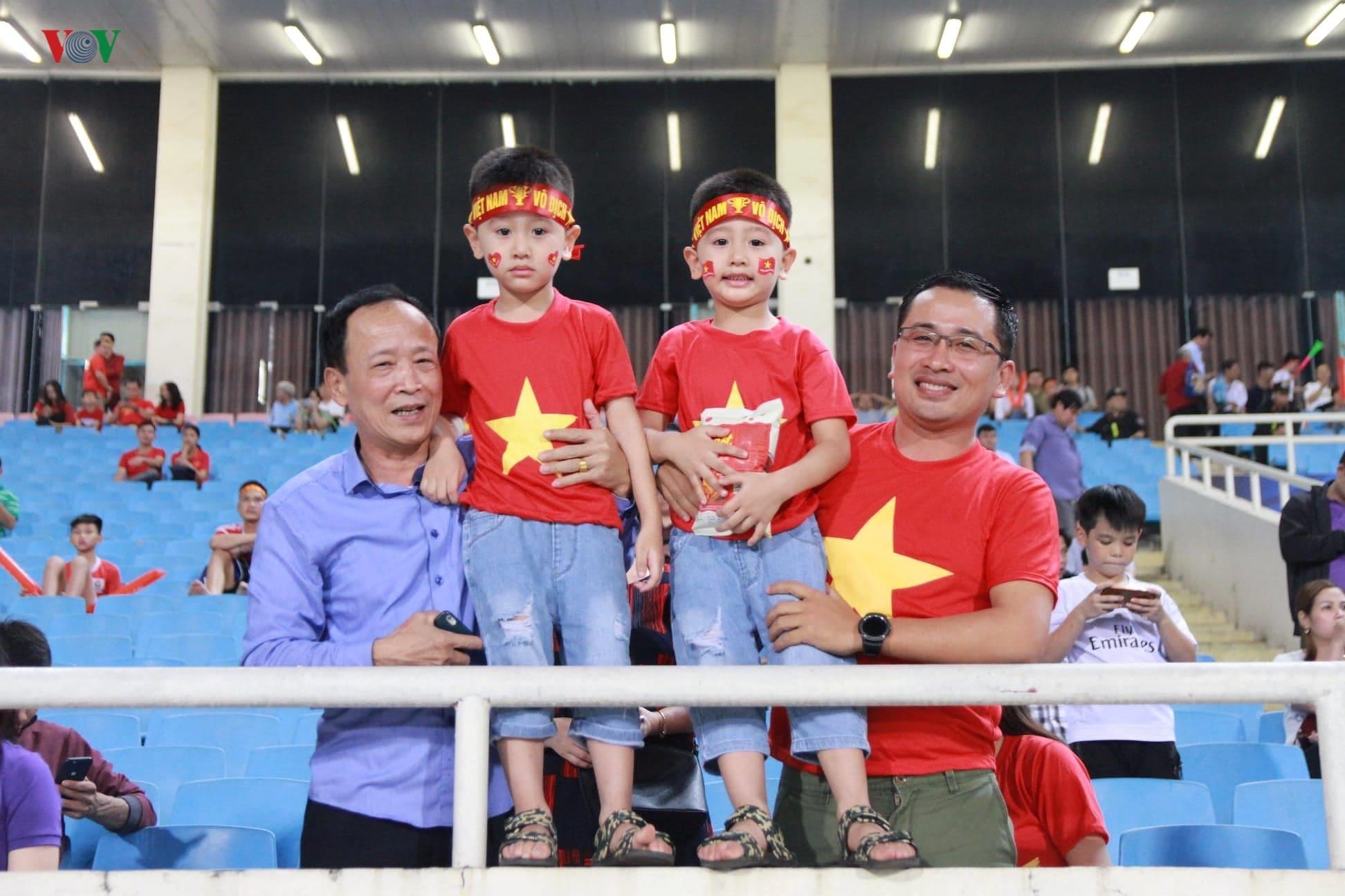 Khoảng lặng trên sân Mỹ Đình trước trận đấu U23 Việt Nam vs U23 Brunei Ảnh 9