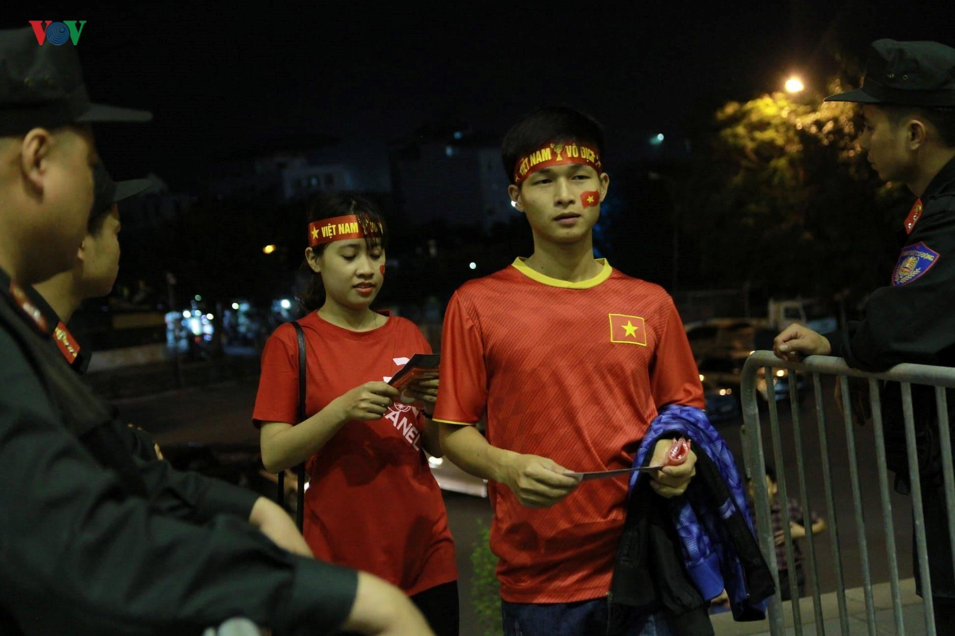 Khoảng lặng trên sân Mỹ Đình trước trận đấu U23 Việt Nam vs U23 Brunei Ảnh 2