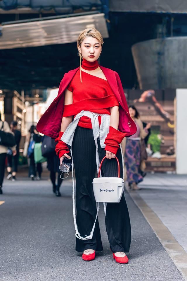 Street style Tokyo - giới trẻ Nhật mặc dị nhưng vẫn hợp xu hướng Ảnh 9