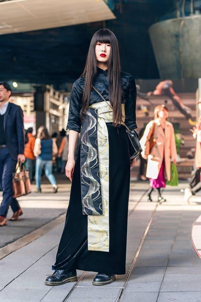 Street style Tokyo - giới trẻ Nhật mặc dị nhưng vẫn hợp xu hướng Ảnh 13