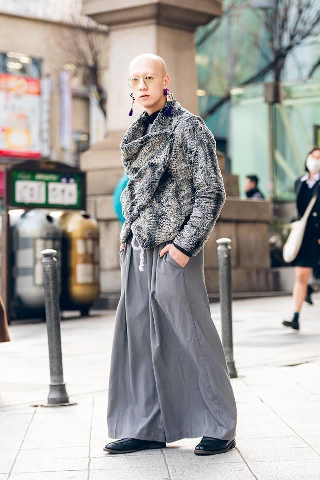 Street style Tokyo - giới trẻ Nhật mặc dị nhưng vẫn hợp xu hướng Ảnh 11