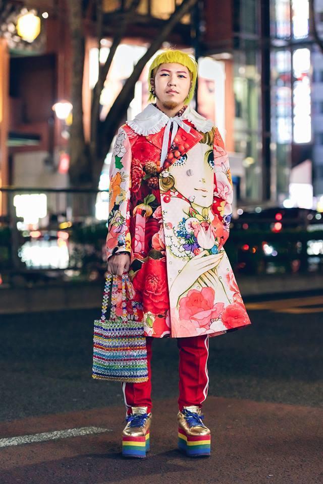 Street style Tokyo - giới trẻ Nhật mặc dị nhưng vẫn hợp xu hướng Ảnh 7