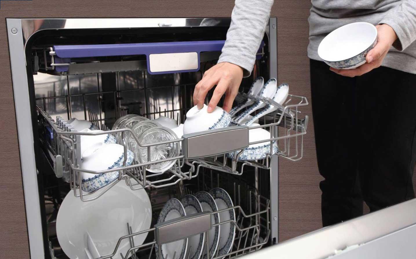 Có nên mua máy rửa bát? ảnh 1
