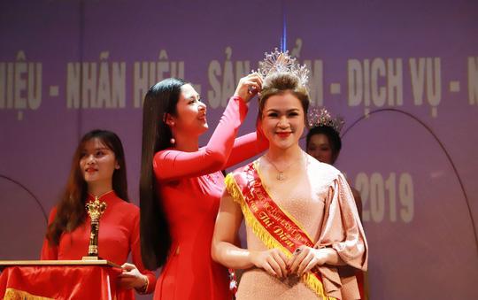 Chủ tịch liên minh Yoga thế giới tại Đông Nam Á là nữ hoàng ngành làm đẹp Ảnh 1