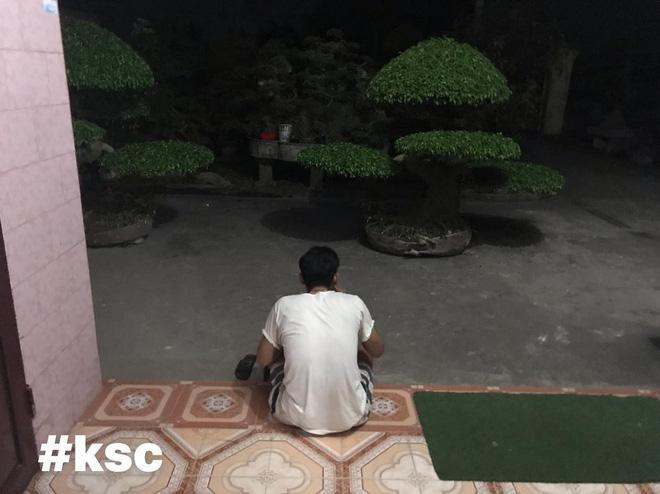 Người đàn ông cầm bát cơm, ngồi suốt 3 tiếng ngắm 2 chậu cây và giao kèo thú vị với vợ Ảnh 4