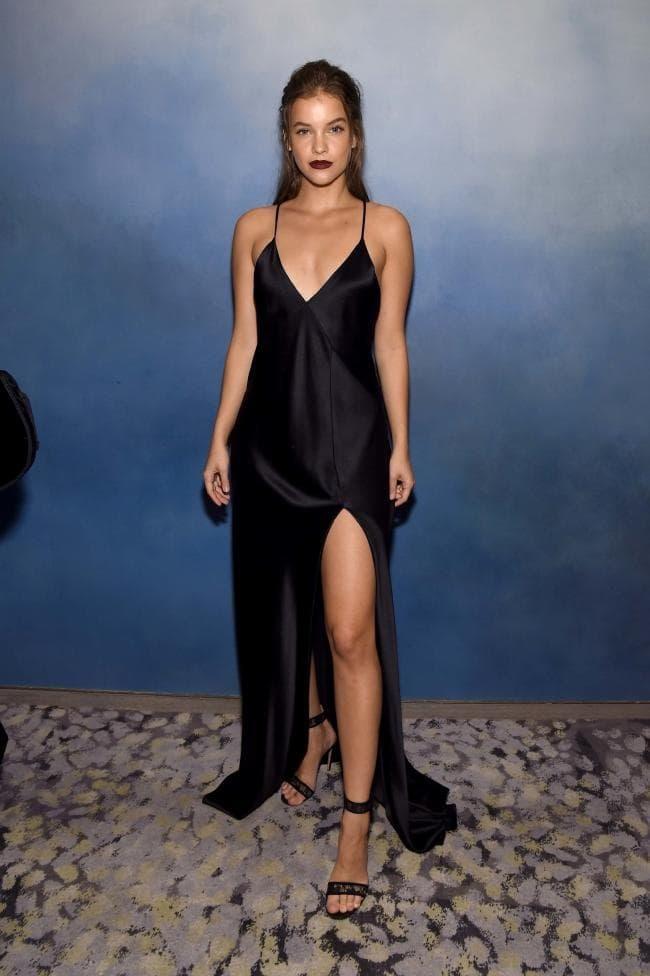 Gu thời trang cá tính & quyến rũ của Barbara Palvin - thiên thần nội y đùi to Ảnh 5