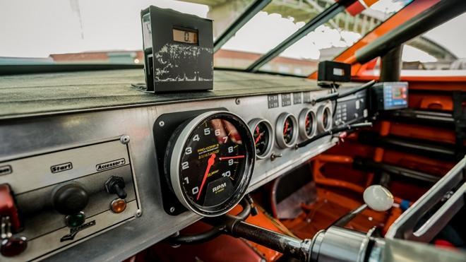 Chiếc xe đua từng xác lập kỷ lục Guinness được bán đấu giá Ảnh 16