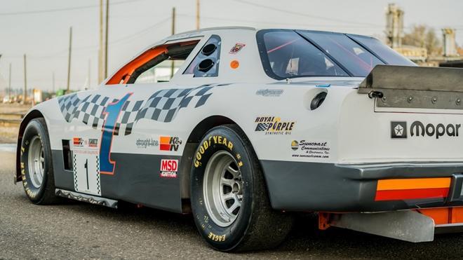 Chiếc xe đua từng xác lập kỷ lục Guinness được bán đấu giá Ảnh 8