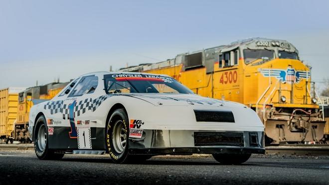 Chiếc xe đua từng xác lập kỷ lục Guinness được bán đấu giá Ảnh 5