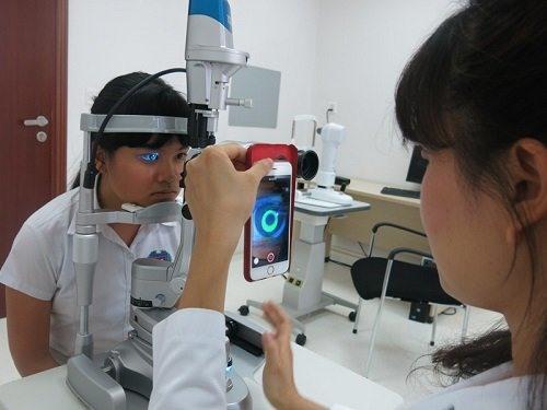 Điều chỉnh cận, loạn thị không phẫu thuật Ảnh 1