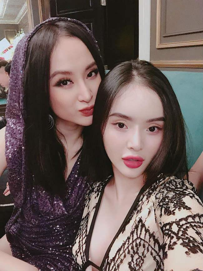 Nhìn gu ăn mặc hở bạo của Angela Phương Trinh và Phương Trang, đúng là chị em ruột có khác! Ảnh 2