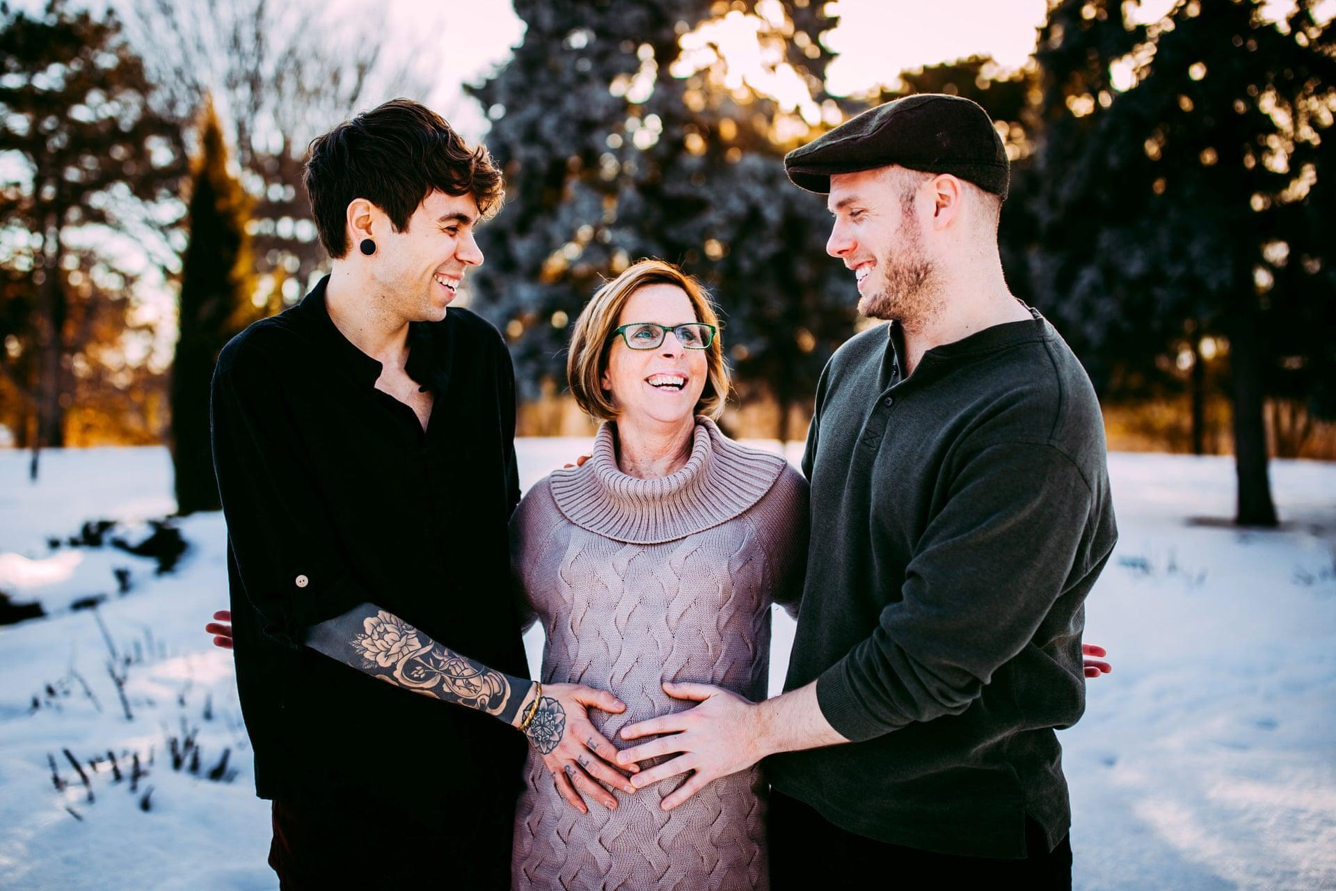 Mỹ: 61 tuổi mang thai hộ cho con trai đồng tính Ảnh 3