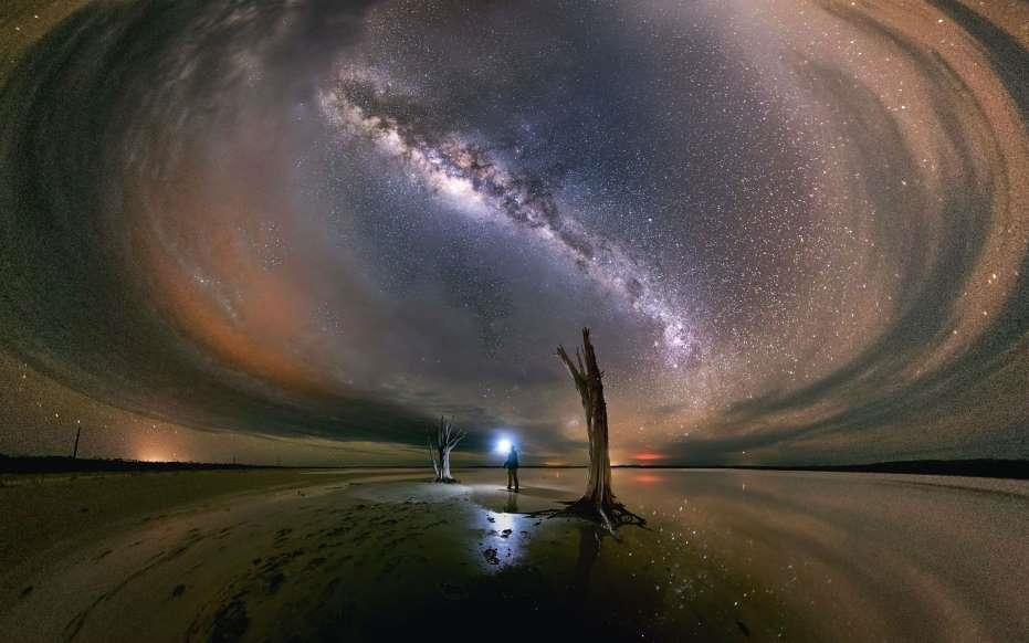 Lạc giữa Ngân Hà qua những bức ảnh trời đêm đẹp 'nghẹt thở' Ảnh 7