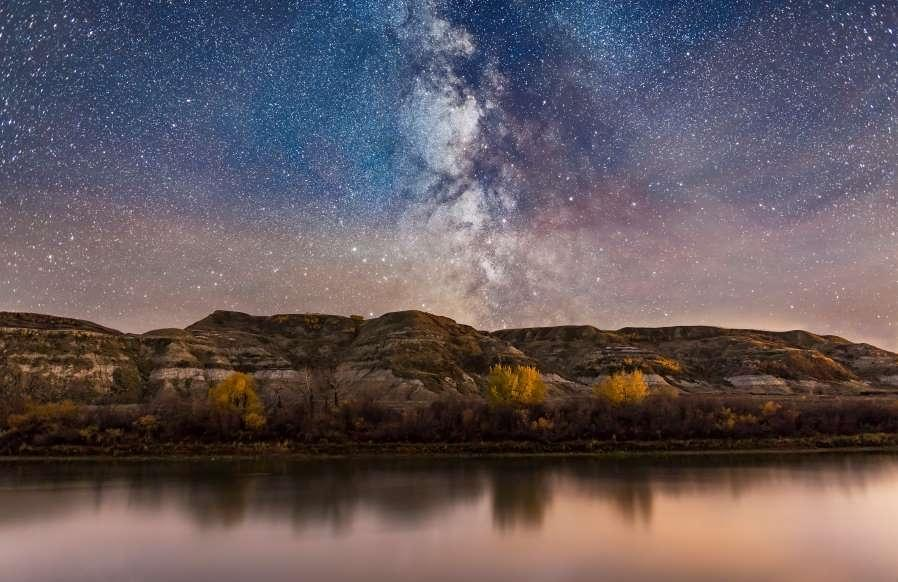 Lạc giữa Ngân Hà qua những bức ảnh trời đêm đẹp 'nghẹt thở' Ảnh 18