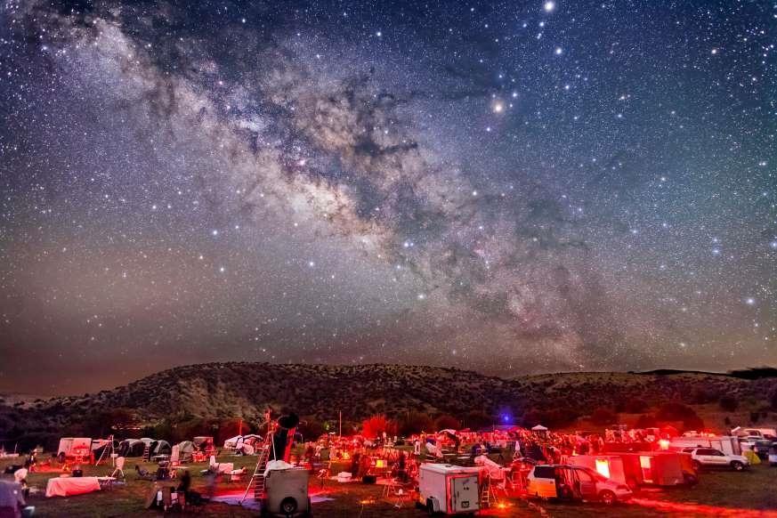Lạc giữa Ngân Hà qua những bức ảnh trời đêm đẹp 'nghẹt thở' Ảnh 15