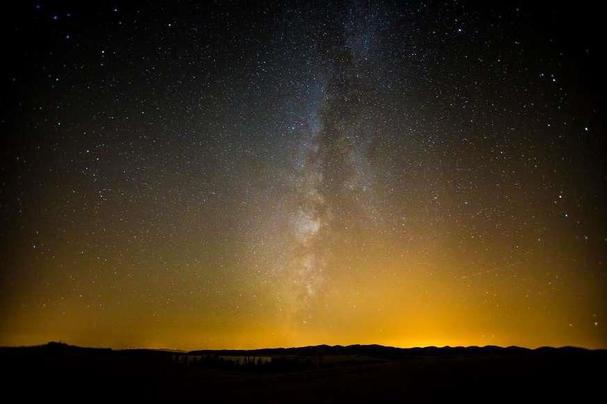 Lạc giữa Ngân Hà qua những bức ảnh trời đêm đẹp 'nghẹt thở' Ảnh 11