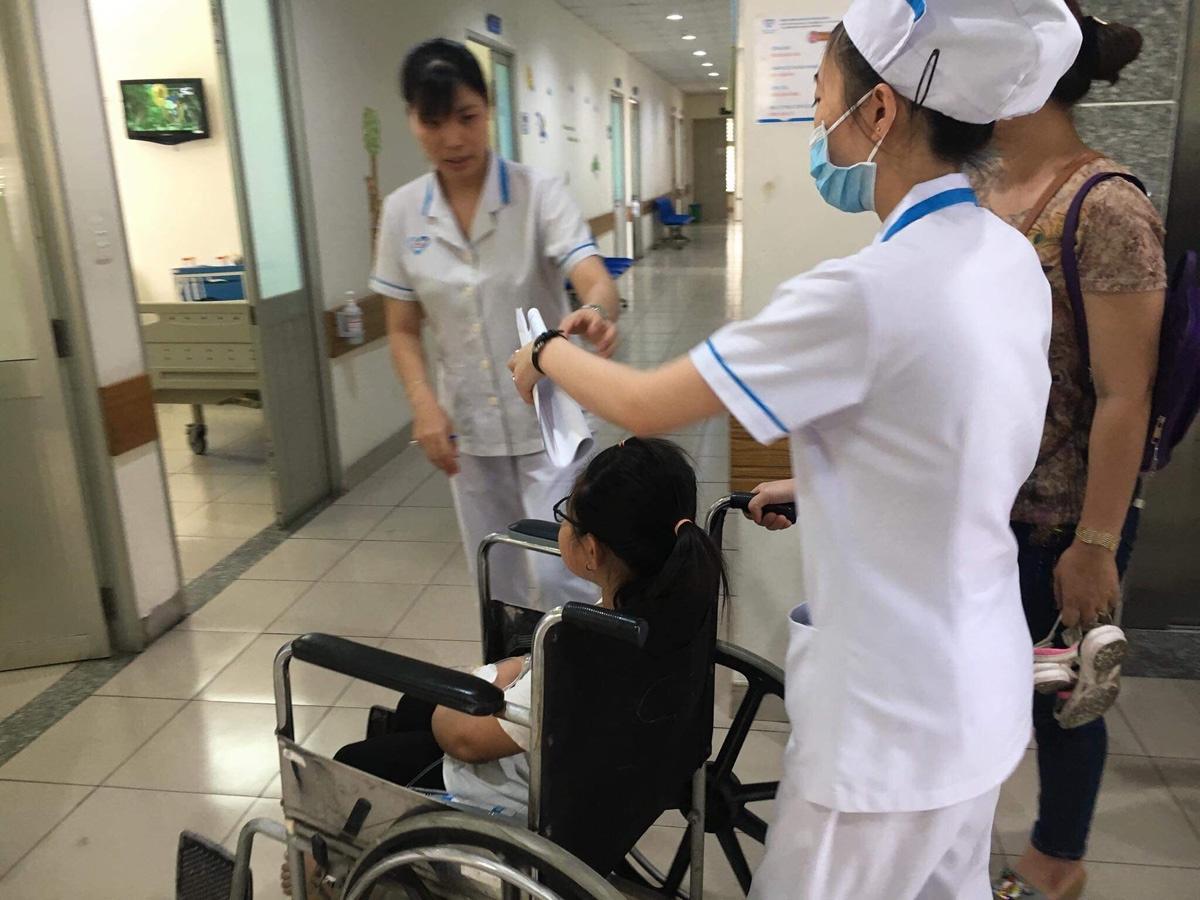 Hàng chục học sinh nhập viện nghi do ngộ độc thức ăn đã xuất viện Ảnh 1