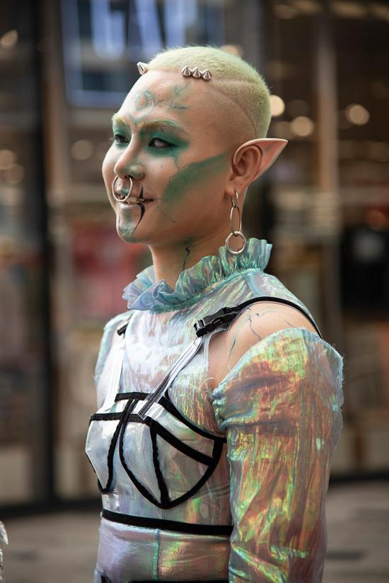 Tín đồ thời trang Sài Gòn mặc quái dị thậm chí phản cảm nhưng cũng đáng suy ngẫm Ảnh 4