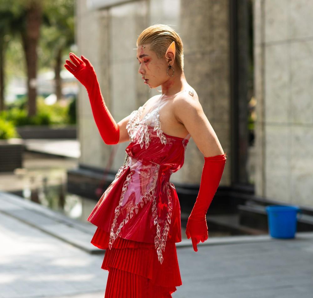 Tín đồ thời trang Sài Gòn mặc quái dị thậm chí phản cảm nhưng cũng đáng suy ngẫm Ảnh 8