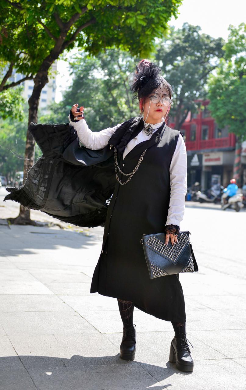 Tín đồ thời trang Sài Gòn mặc quái dị thậm chí phản cảm nhưng cũng đáng suy ngẫm Ảnh 15