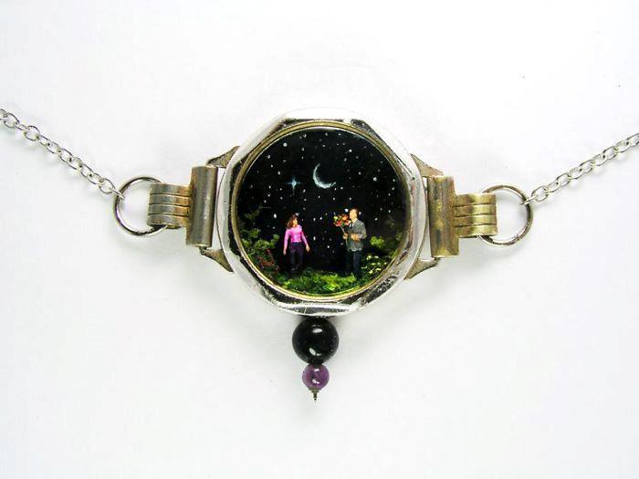 Người nghệ sĩ và 'thế giới tí hon' trong những chiếc đồng hồ đã hỏng Ảnh 11