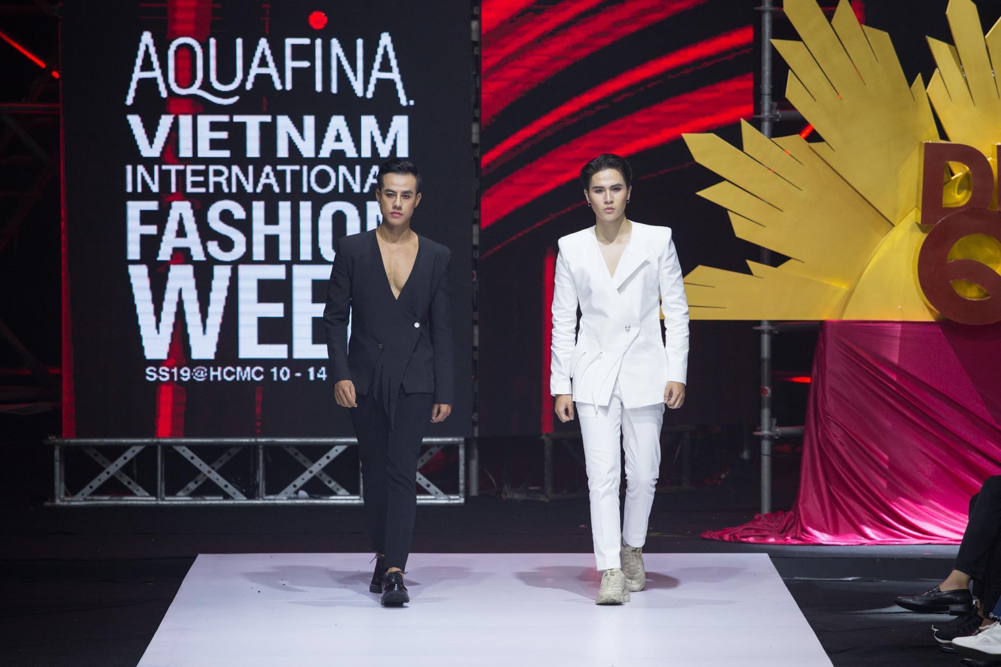 Nguyễn Tiến Truyển chinh phục sàn diễn Aquafina VIFW 2019 với BST mới Ảnh 10