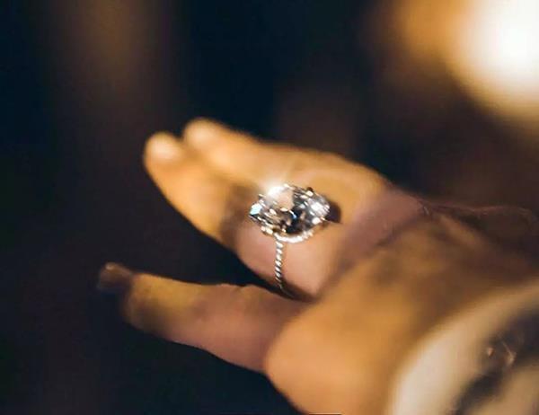 Justin Bieber tặng Hailey nhẫn đính hôn hơn 11 tỷ đồng Ảnh 10