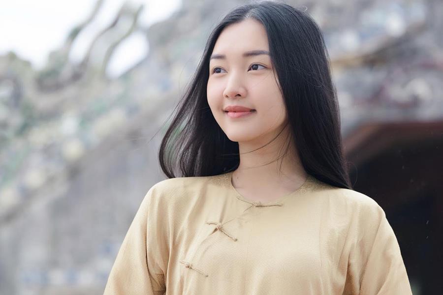 Các cô gái Huế xinh đẹp, sang chảnh toàn Á hậu, người mẫu nổi tiếng Ảnh 1