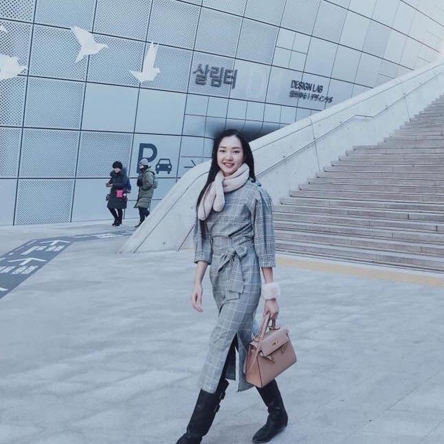 Các cô gái Huế xinh đẹp, sang chảnh toàn Á hậu, người mẫu nổi tiếng Ảnh 5