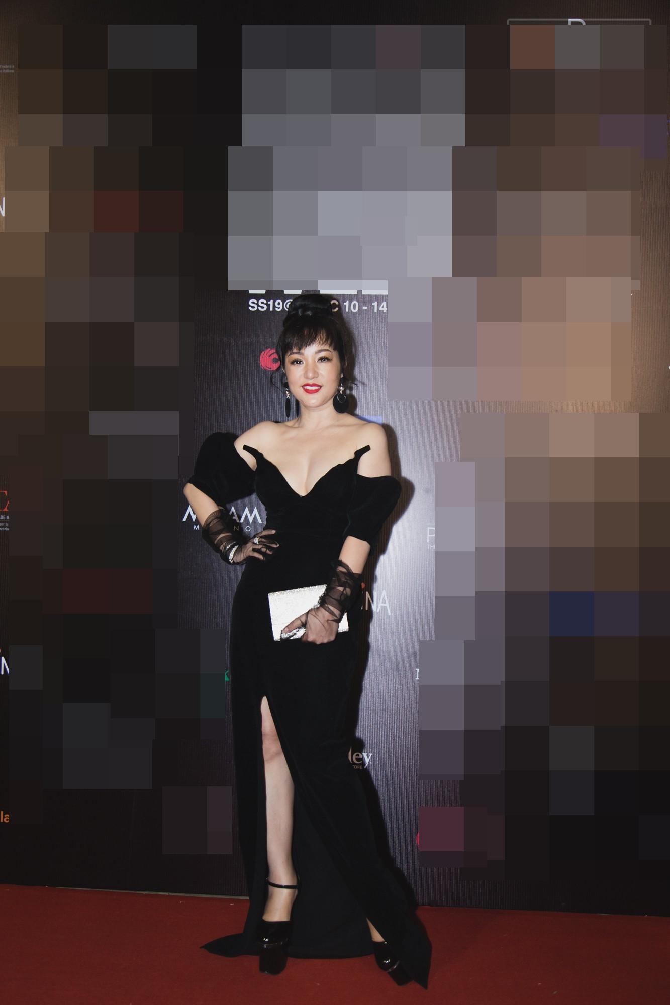 Váy xẻ rất cao, hở rất hở… nhưng H'Hen Niê vẫn lọt vào top sao xấu tuần Ảnh 9
