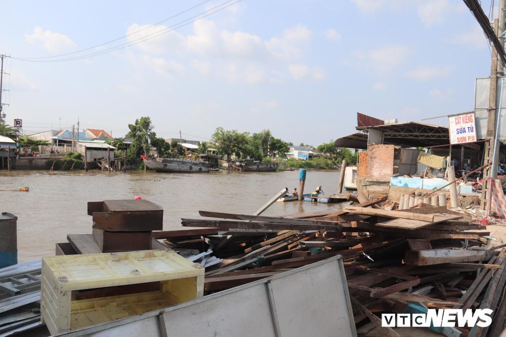 Bờ sông sạt lở, nuốt chửng nhiều nhà dân ở Cần Thơ Ảnh 2
