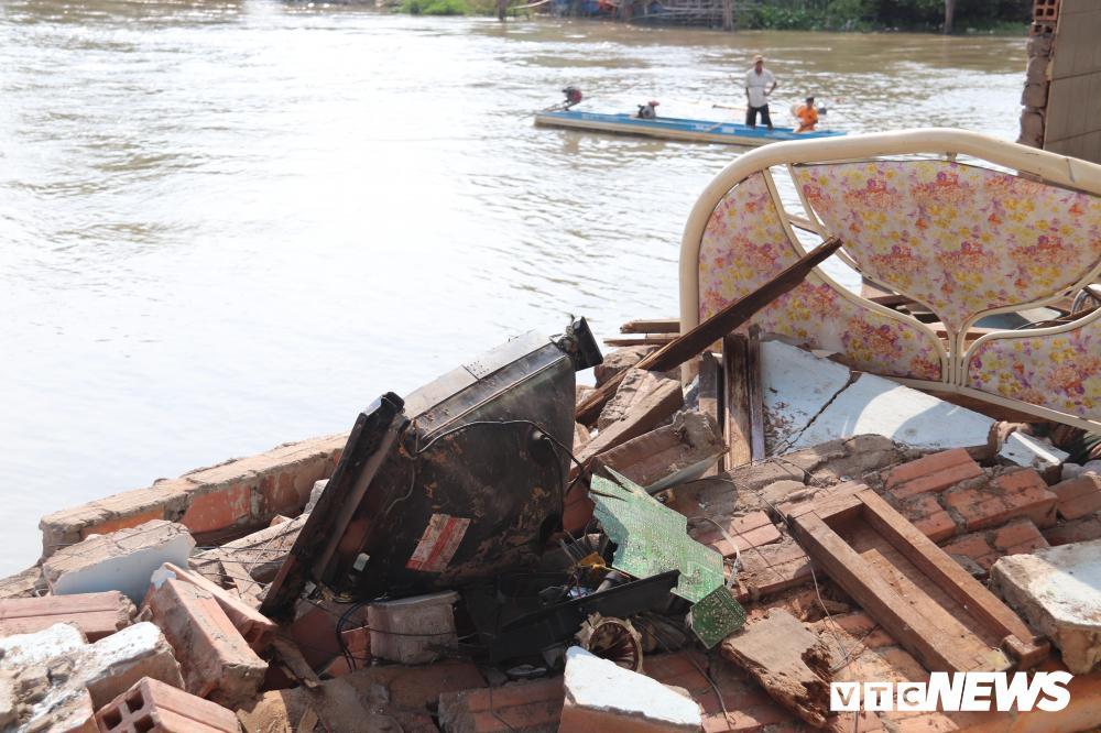 Bờ sông sạt lở, nuốt chửng nhiều nhà dân ở Cần Thơ Ảnh 7