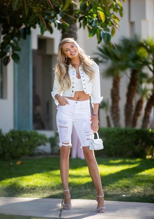 5 xu hướng quần jeans đẹp đang đợi bạn khám phá Ảnh 9