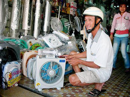 Dân Hà Nội chi tiền triệu sắm đồ 'ninja đường phố' chống nắng Ảnh 4