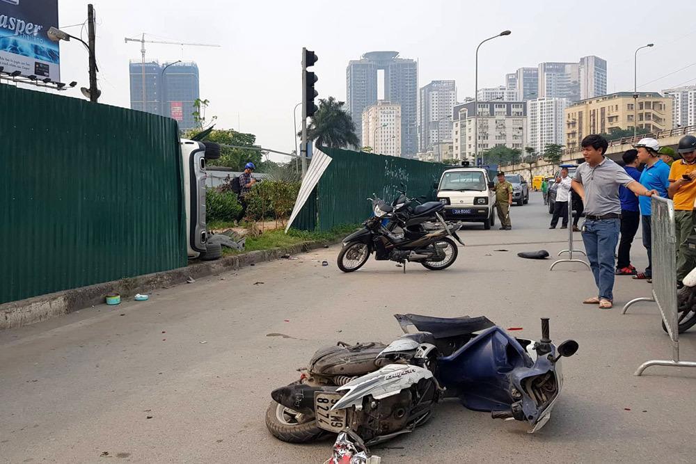 Tin nóng vụ nữ tài xế lái Mercedes đâm 4 người bị thương ở Hà Nội Ảnh 1