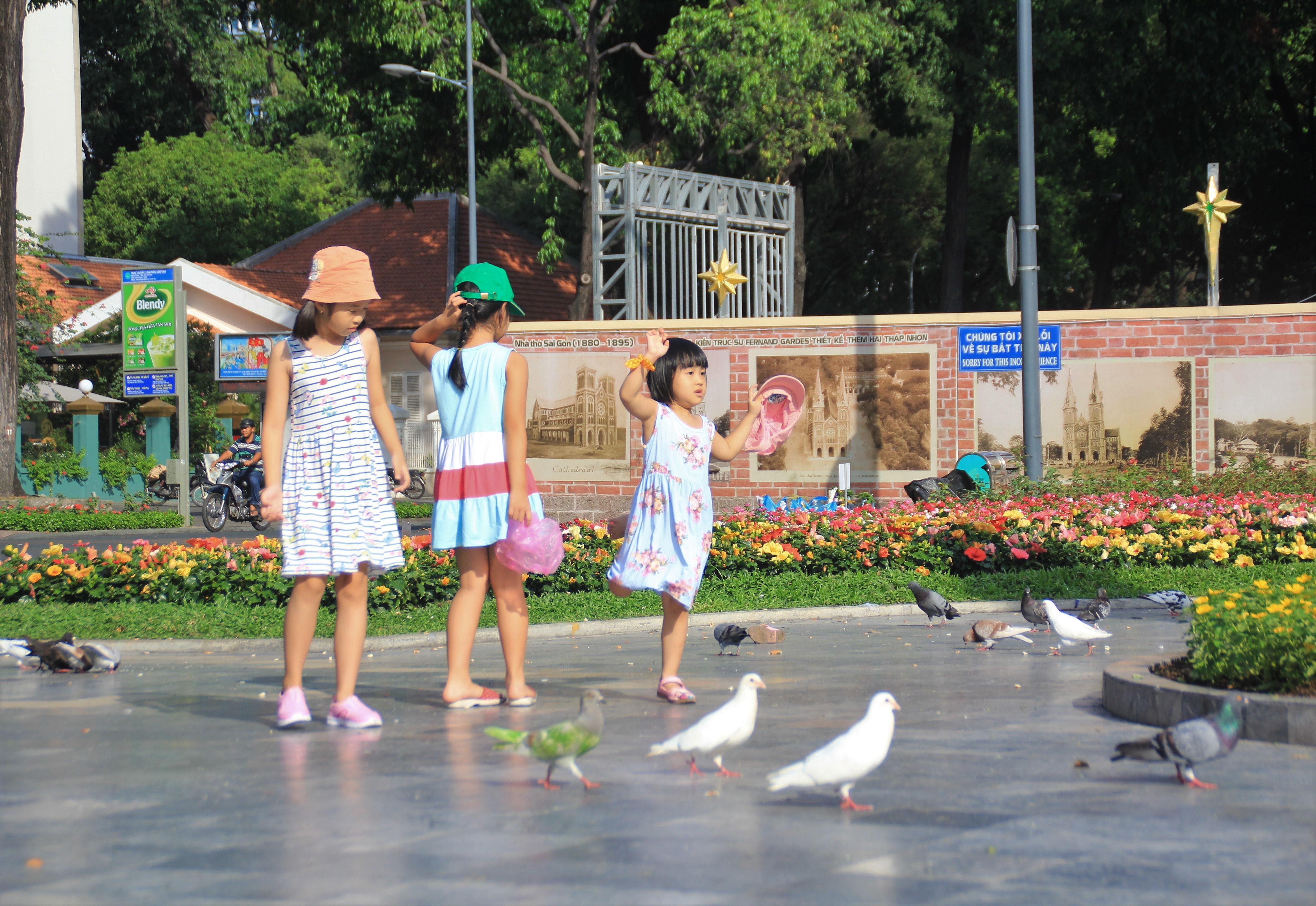 Khung cảnh yên ả ở Sài Gòn ngày đầu kỳ nghỉ lễ 30/4 và 1/5 Ảnh 5