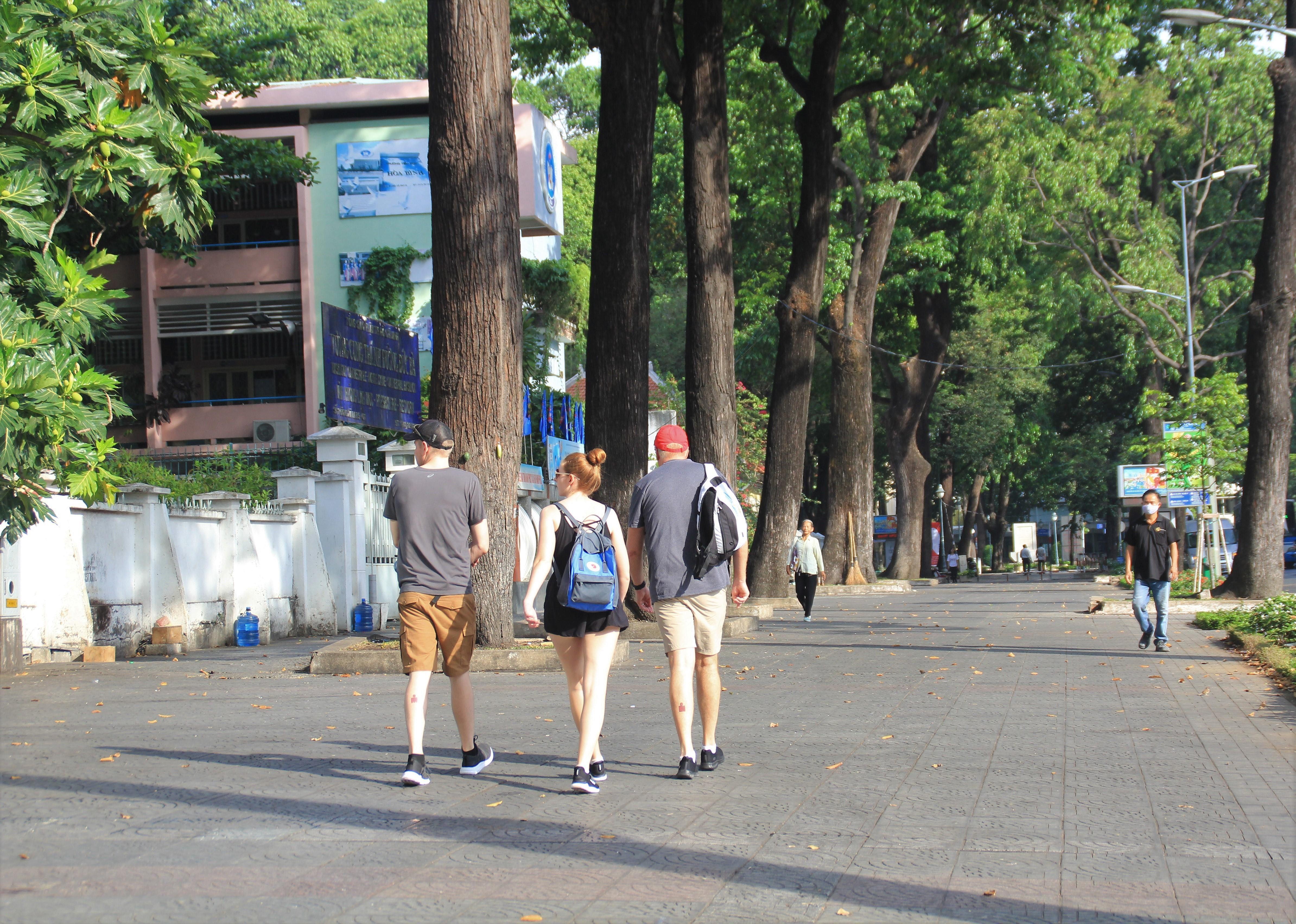 Khung cảnh yên ả ở Sài Gòn ngày đầu kỳ nghỉ lễ 30/4 và 1/5 Ảnh 4